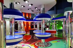 In a colorful and fun human-scale pinball machine, completely lit by LED lights, Modular introduced its latest LED ceiling lights, Spock and O'Leaf, for the first time to the general public.