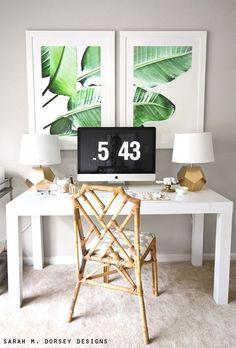 Posters são uma forma simples e linda de mudar a decoração. Essas folhas de bananeira têm tudo a ver com o clima tropical. Tropical Artwork, Estilo Tropical, Tropical Style, Tropical Decor, Decor Inspiration, Home Office Decor, Home Decor, Office Den, Office Nook