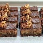 Opitý Izidor • recept • bonvivani.sk Sweet Desserts, Sweet Recipes, European Dishes, Czech Recipes, Desert Recipes, Christmas Cookies, Nutella, Cupcake Cakes, Food And Drink