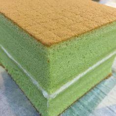 Pandan soufflé sponge cake