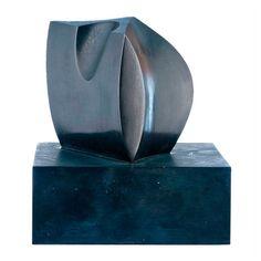 """FAUSTINO AIZKORBE  AUTOR: FAUSTINO AIZKORBE    REFERENCIA:  4140-20  """"Figura"""".  Bronce con pátina negra.  Medidas: 14 cm. (con base)."""