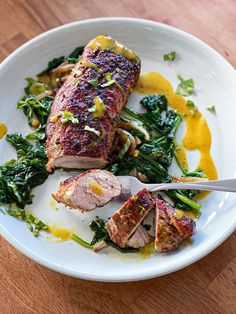 This recipe for sous vide 1 LB pork tenderloin is a great sous vide dinner for two people. I meal prep sous vide meals like this one at the beginning of the week. | sipbitego.com #sipbitego #sousvide #sousvidecooking #sousviderecipe #pork #easyrecipes #sousvidepork #mealprep