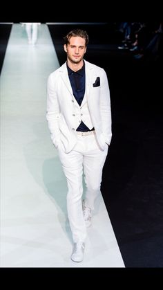 Hot, hot, white hot suit!
