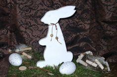 Osterhase-Shabby-stehend von Wolles Vogelhäuser auf DaWanda.com