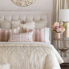 Cream and teal bedroom master bedroom idea cream gold silver color scheme with pink accent . Ivory Bedroom, Pink Master Bedroom, White Bedroom Decor, Small Room Bedroom, Master Bedroom Design, Bedroom Vintage, Home Decor Bedroom, Bedroom Ideas, Cream And Pink Bedroom