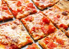 Vous aimez beaucoup l'idée de faire votre propre pâte à pizza croûte mince et de la garnir à votre goût? Voici une recette parfaite pour démarrer votre projet pizza :)