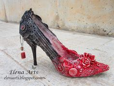 Elena Arts: Beauty requires sacrifice (To presume you have to suffer). Altered Canvas, Altered Art, Recycled Shoes, Steampunk Shoes, Muses Shoes, Shoe Crafts, Ugly Shoes, Embellished Shoes, Decorated Shoes