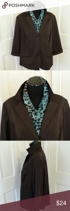 BLAZER BROWN TRACY EVANS 18W LADIES BROWN BLAZER BY TRACY EVANS LIMITED 18W DESIGNED WITH 3 BUTTON FRONT CLOSURE AND 3/4 SLEEVES. 73% POLYESTER 25% RAYON 2% SPANDEX FULLY LINED POLYESTER. NEVER WORN,  DO NOT HAVE TAGS. tracy evans Jackets & Coats Blazers