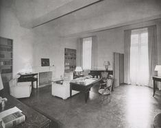 Jean Michel Frank Sitting Room in Nancy Cunard's Apartment ca Photo by REP Art Deco Living Room, Living Room Colors, Living Room Designs, Living Spaces, Beautiful Living Rooms, Beautiful Interiors, Nancy Cunard, Rich Home, Living Room Inspiration