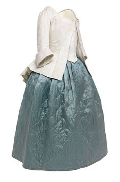 Linen petenlair or open bodice with compere fronts and sack back, Scottish, 1780–81  © CSG CIC