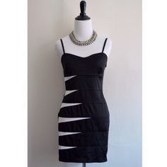 Black & White Dress! 52% Polyester 45% Cotton 3% Spandex. Hand wash cold. Do not bleach. Line dry! Never worn! No Paypal No Trades Yes, bundles✔️ I DO NOT EXCEPT ANY LOW BALL OFFERS!  Follow me on Instagram: ashleyjcloset Forever 21 Dresses