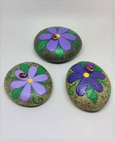 Creative DIY Easter Painted Rock Ideas 41