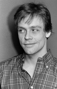 Mark Hamill looks older because he cut his hair