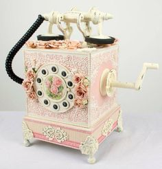 Vintage phone Cake art …