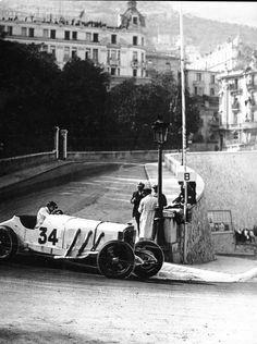 Rudolf Caracciola, Mercedes-Benz SSK, #34, (finished 3rd), Grand Prix de Monaco, 1929. -L'Age d'or de la course automobile.