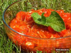 Dość nietypowa sałatka do grilla - pomidory z miodem - fajnie wyglądają, a jeszcze lepiej smakują! Polecam!  http://www.smaczny.pl/przepis,pomidory_w_miodzie_jako_dodatek_do_grilla  #przepisy #sałatki #sałatkadogrilla #pomidory #miód #cebula #grill #grillowanie #lato