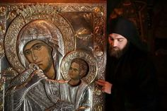 """The Story of the Miraculous Icon of the Virgin Known as """"Paramithia"""" (Comfort, Consolation) at the Holy Mountain Monastery of Vatopedi Kai, Jesus Father, The Holy Mountain, Architecture Art Design, Mama Mary, Blessed Mother Mary, Byzantine Icons, Tyrannosaurus Rex, Orthodox Icons"""