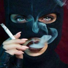 I don't smoke but I love this ! Arte Dope, Dope Art, Badass Aesthetic, Bad Girl Aesthetic, Women Smoking, Girl Smoking, Abstrakt Tattoo, Rauch Fotografie, Fille Gangsta