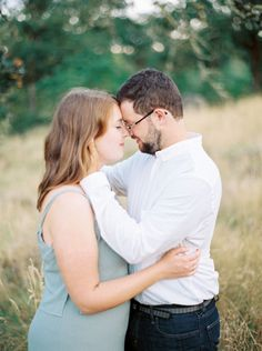 Reunited in Oregon - Couple Session by Jessica Lyons Photography in Portland…