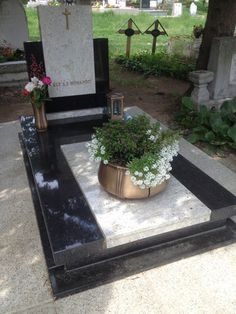 Grave Plaques, Tombstone Designs, Cemetery Decorations, Funeral, Granite, Anna, Boutique, Outdoor Decor, Dresses