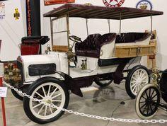 1904 White Model D Touring - Tupelo Automobile Museum