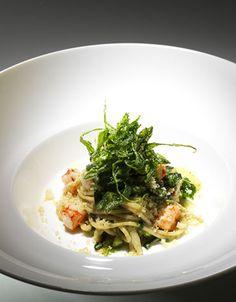 Japchae, Spaghetti, Ethnic Recipes, Food, Eten, Meals, Noodle, Diet