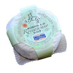 Robiola de Roccaverano es el único queso DOP italiana que se puede producir: exclusivamente a partir de leche de cabra, leche de cabra y de vaca, leche de cabra y oveja. Sin embargo, debe estar presente al menos un 50% de leche de cabra, el 50% restante puede ser leche de oveja o leche de vaca. es una pasta fresca, la maduración depende de la microflora lechoso presentes en la leche procesados exclusivamente en bruto sin la presencia de enzimas añadidas.