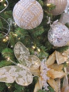 Sparkling Elegance theme is focused palette of gold, silver and white with rich textures and finished; dressed to the max in a plethora of glitter and diamonds. From Your Christmas Shop at Stauffers of Kissel Hill Garden Centers. www.skh.com