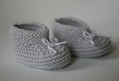 Les petits chaussons pour bébé au tricot