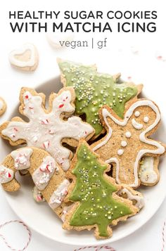 These Gluten-Free & Vegan Sugar Cookies are perfect for the holidays. Easy to make, healthy, nut-free and topped with a naturally colored green icing! Healthy Sugar Cookies, Roll Out Sugar Cookies, Healthy Cat Treats, Healthy Foods To Eat, Healthy Baking, Healthy Holiday Recipes, Holiday Cookie Recipes, Holiday Treats, Shortbread