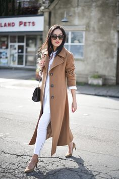 camel + white. street style. long, maxi coat.