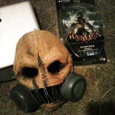 Needs more work. Working on the respirators now. Might put my tutorial up here. Everything you need to make this mask is dirt cheap. Scarecrow Cosplay, Scarecrow Batman, Scarecrow Mask, Cheap Halloween, Halloween Stuff, Batman Arkham Videos, Batman Suit, Horror Masks, Dirt Cheap