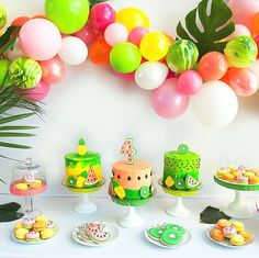 Tutti Frutti sure makes for one adorable theme! Like the candy this 4th birthday bash #onIBTtoday is bright colorful and fun - plus it's full of creative decor (hello watermelon baloons) courtesy of @acharmingfete! (Link in profile Photo by @sweetmagnoliaphoto Design & Flowers: @acharmingfete Cake & Macarons: @kelseyelizabethcakes Cookies: @tiffanydziak Balloon Garland: @onestylishparty)