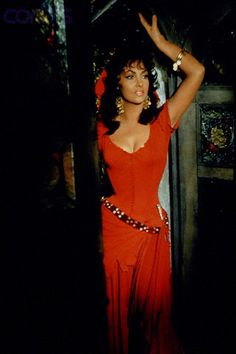 Gina Lollobrigida as Esmeralda