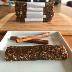 Raw, Vegan, Cinnamon Roll larabars Super easy to make too! (if you have a food processor)