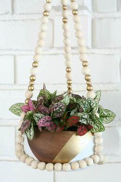 DIY Beaded Plant Hanger #beaded #planthanger #diy