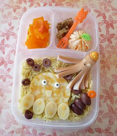 Octopus bento lunch packed in Easy Lunch Boxes, Bento Box Lunch, Lunch Kits, Box Lunches, Muffin Tin Recipes, Bento Recipes, Kid Recipes, Cute Food, Good Food