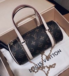 Women Fashion Style New Collection For Louis Vuitton Handbags, LV Bags to Have Cheap Handbags, Tote Handbags, Purses And Handbags, Popular Handbags, Cheap Purses, Handbags Online, Vuitton Bag, Louis Vuitton Handbags, Louis Vuitton Monogram
