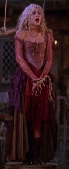 Hocus Pocus - Sarah Sanderson - Sarah Jessica Parker - Costume Details