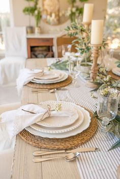 Spring Table Settings: How to Create a Gorgeous Spring Table Spring Table Settings: How to Create a Gorgeous Spring Table Casual Table Settings, Beautiful Table Settings, Everyday Table Settings, Dining Table Settings, Everyday Table Decor, Country Table Settings, Farmhouse Table Settings, French Table Setting, Place Settings