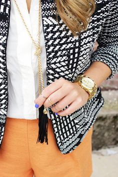 I am loving my Kendra Scott tassel necklace right now...this tassel is great as well, loving this whole look.....