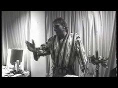 Johnny Hallyday frustré et fâché après son concert en Allemagne - 10 novembre 1994 - YouTube