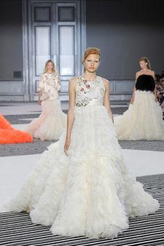 невеста на показе Giambattissta Valli (Couture, осень зима 2015/16)