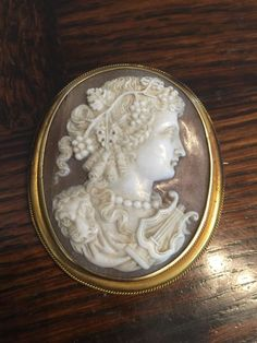 Antique large Victorian CAMEO pin BROOCH jewelry carved shell 14k gold setting