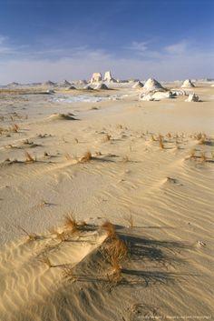 White desert, near Bahariya oasis, Western Desert, Egypt, North Africa.
