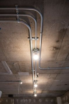 Image 8 of 18 from gallery of Tsukiji Room H / Yuichi Yoshida & associates. Photograph by Katsumi Hirabayashi Conduit Lighting, Loft Lighting, Industrial Lighting, Lighting Design, Industrial Interiors, Industrial House, Rustic Industrial, Deco Restaurant, Restaurant Design