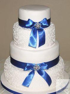 Cornelli Lace Wedding cake