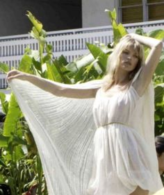 Despite the intense heat of Los Angeles, Kate Moss looked every inch the Greek goddess in a diaphanous, flowing white dress, while on a photoshoot in Miami. Moon Fairy, Keep Cool, Kate Moss, Heavens, Greek, White Dress, Tunic, Photoshoot, Dresses