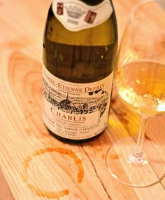 I needed this to finish the day, a glass or maybe more... Chablis Vieilles Vignes 2009 from Daniel Etienne Defaix - a wine intense, rich, fruity persistent, and crispy iodine - From old vines, average 47 years, the oldest dating from 1905 Cheers #winelover