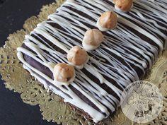La Gata Curiosa: TURRON DE NUTELLA & TURRON DE CHOCOLATE CON AVELLANAS Nutella, Turon, Mantecaditos, Chocolate Lovers, Cupcakes, Ethnic Recipes, Sweet, Chocolates, Food